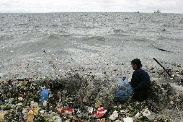 Plastic Nightmare in Hong Kong