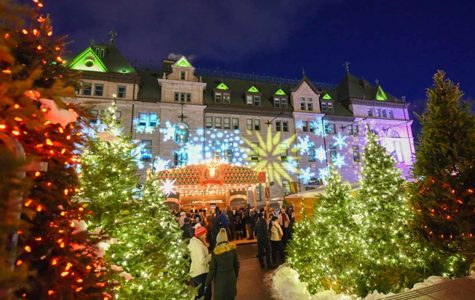Christmas Arrives In Old Québec