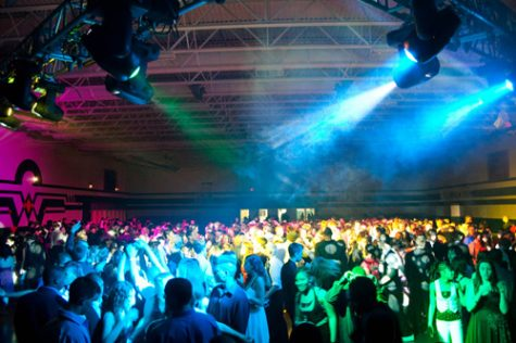 Why are there no more school dances at La Camaradière?